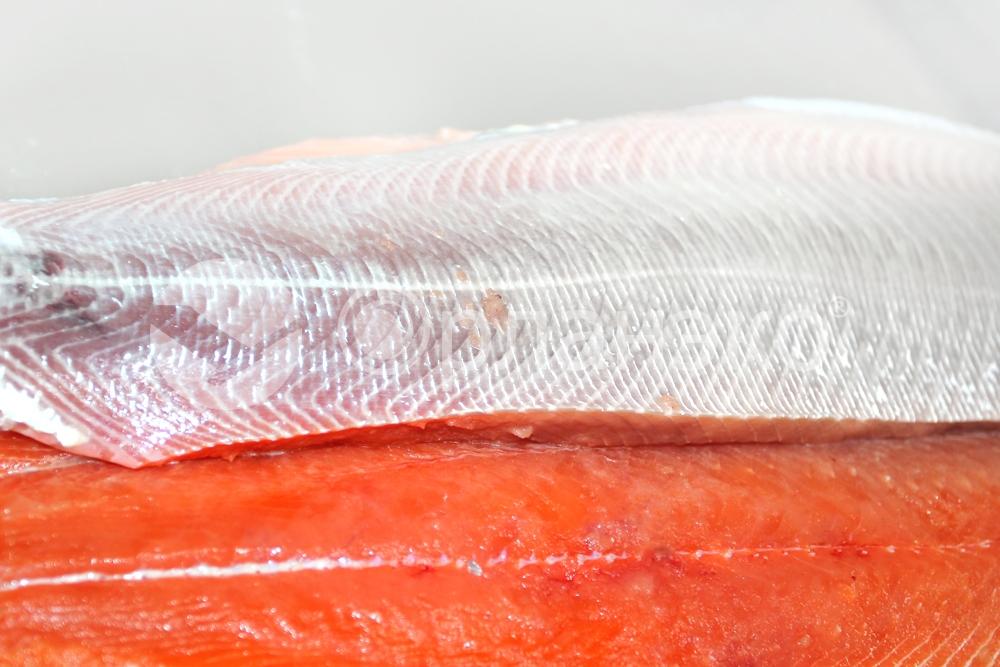 Нарезка малосолёного филе тихоокеанского лосося, замороженный продукт, 200 г